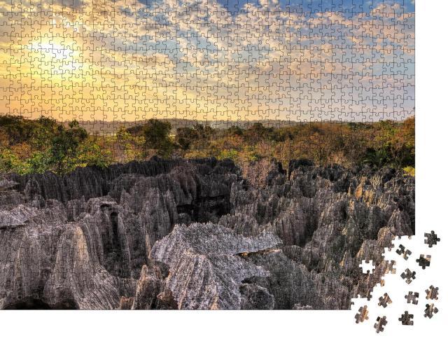 "Puzzle 1000 Teile ""Wunderschöner Blick über den Tsingy de Bemaraha-Nationalpark, Madagaskar"""