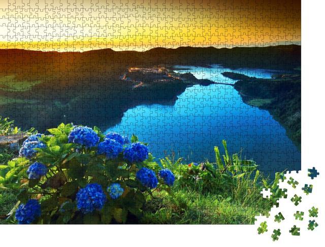 """Puzzle 1000 Teile """"Vulkanischer Kratersee von Sete Citades,  Azoren, Portugal"""""""