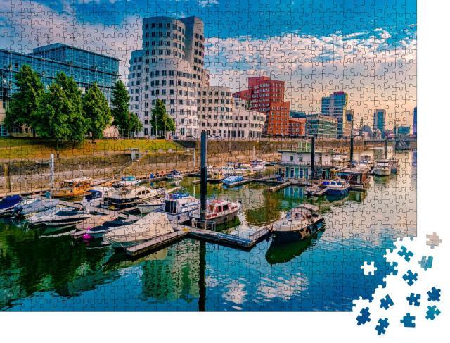 """Puzzle 1000 Teile """"Medienhafen am Rheinufer in Düsseldorf """""""