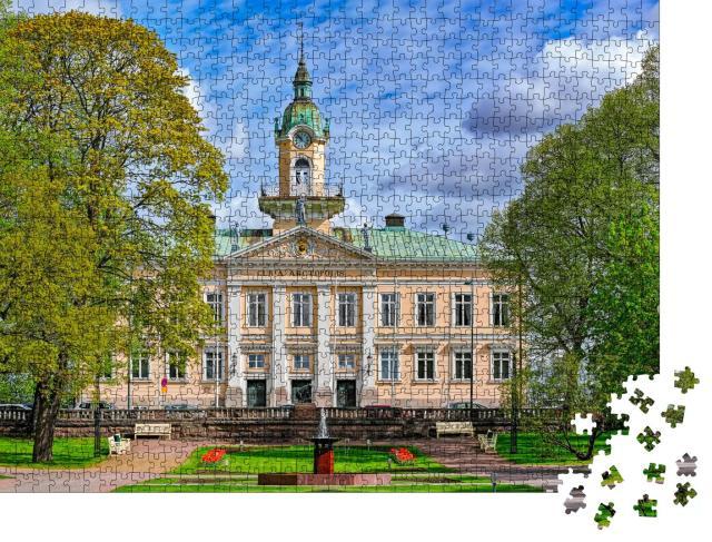 """Puzzle 1000 Teile """"Raatihuoneenpuisto, der Rathauspark von Pori, Finnland"""""""