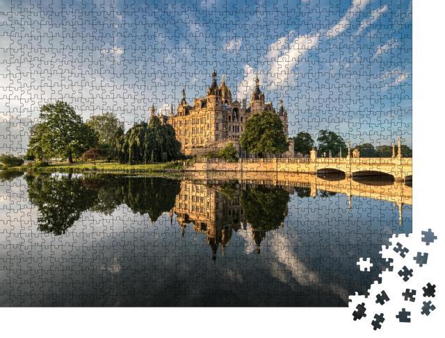 """Puzzle 1000 Teile """"Schloss Schwerin, Neuschwanstein des Nordens"""""""