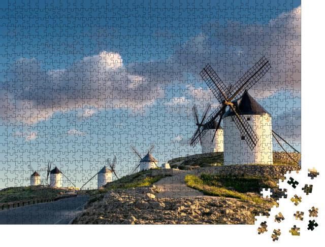 """Puzzle 1000 Teile """"Gruppe alter Windmühlen in der Stadt Consuegra, Spanien"""""""