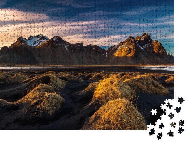 """Puzzle 1000 Teile """"Sonnenuntergang über den Bergen von Island"""""""