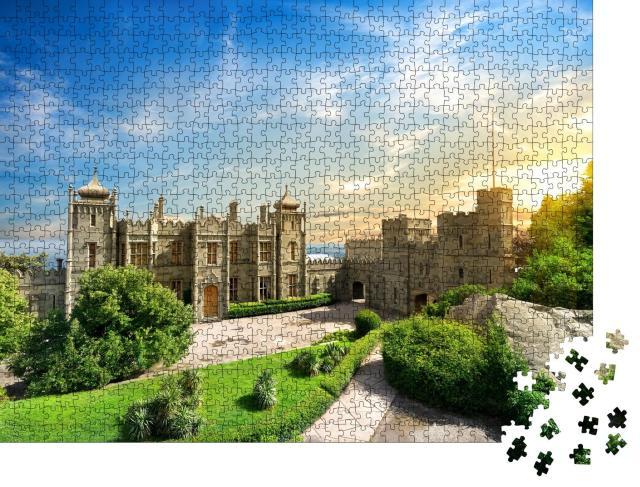 """Puzzle 1000 Teile """"Woronzow-Palast in der Stadt Alupka auf der Krim"""""""