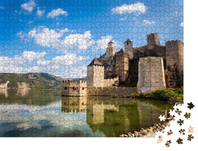 """Puzzle 1000 Teile """"Mittelalterliche Festung in Golubac, Serbien"""""""
