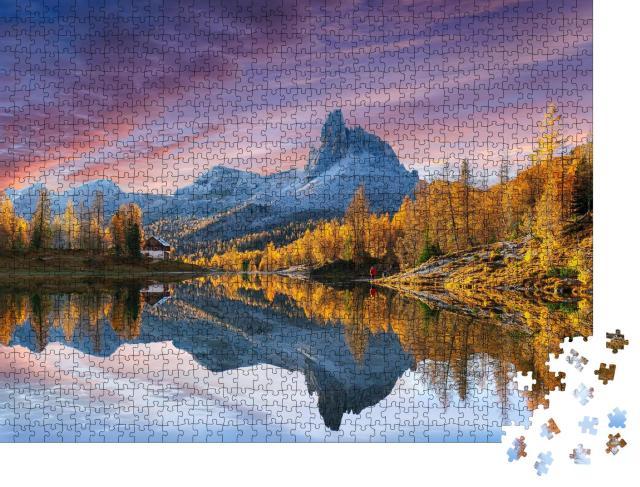 """Puzzle 1000 Teile """"Herbstblick auf den See Federa in den Dolomiten, Italien"""""""