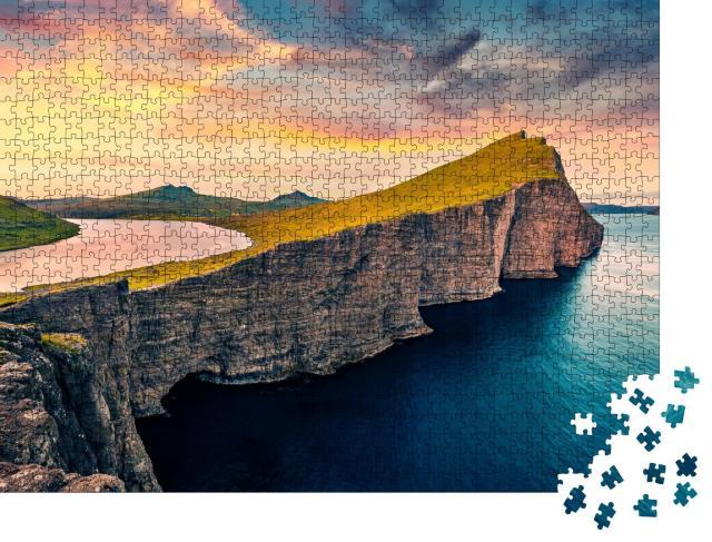 """Puzzle 1000 Teile """"Luftbild vom Sorvagstaner See am Morgen (Färöer Inseln)"""""""