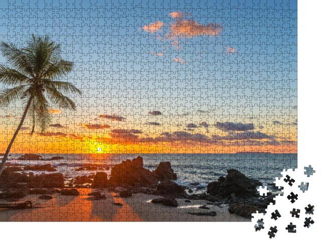 """Puzzle 1000 Teile """"Strandparadies am Pazifischen Ozean bei Sonnenuntergang, Costa Rica"""""""