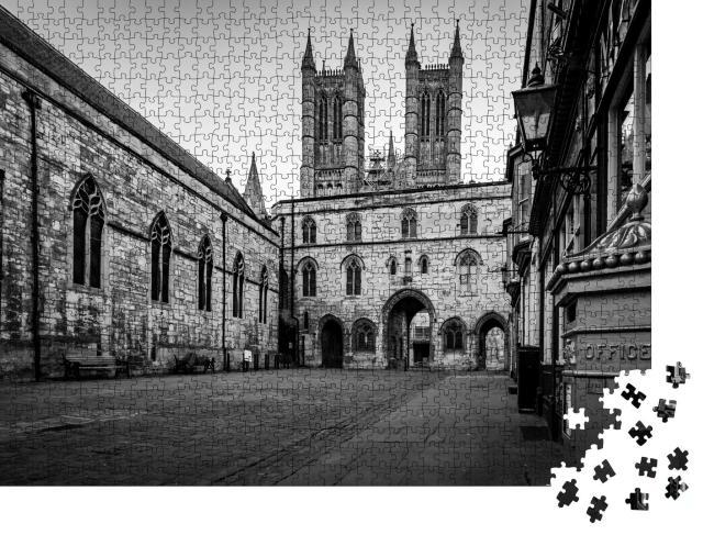 """Puzzle 1000 Teile """"Lincoln, historische Stadt in England, schwarz-weiß"""""""