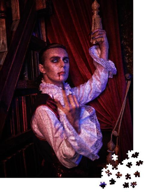 """Puzzle 1000 Teile """"Halloween: Porträt eines Vampir-Aristokraten, der dem Betrachter zuwinkt"""""""