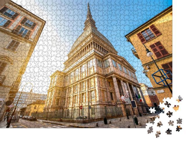 """Puzzle 1000 Teile """"Das Museumsgebäude Mole Antonelliana, das Symbol von Turin in der Region Piemont """""""