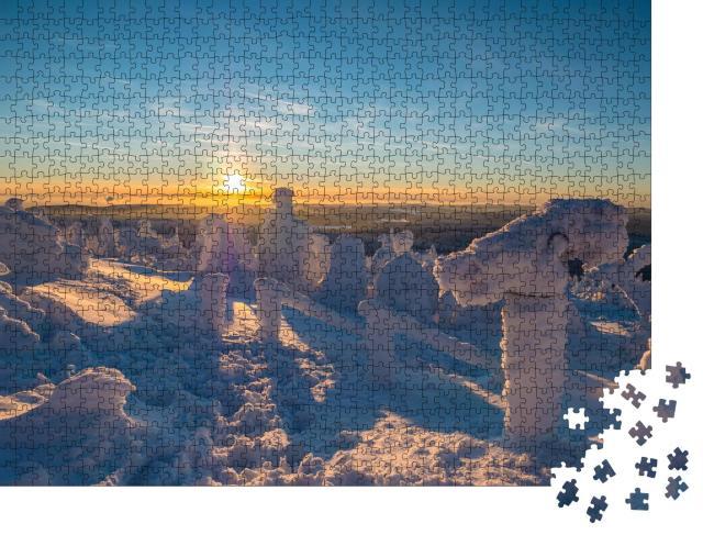 """Puzzle 1000 Teile """"Winterlicher Sonnenuntergang auf dem Fichtelberg"""""""