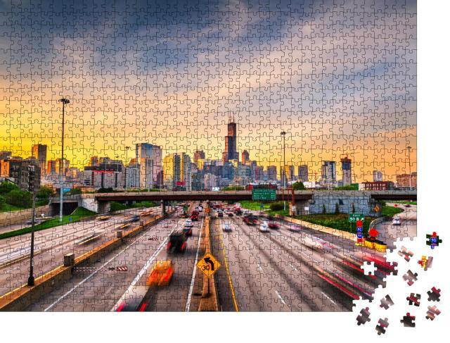 """Puzzle 1000 Teile """"Stadtlandschaft und Highways von Chicago am Morgen, USA"""""""