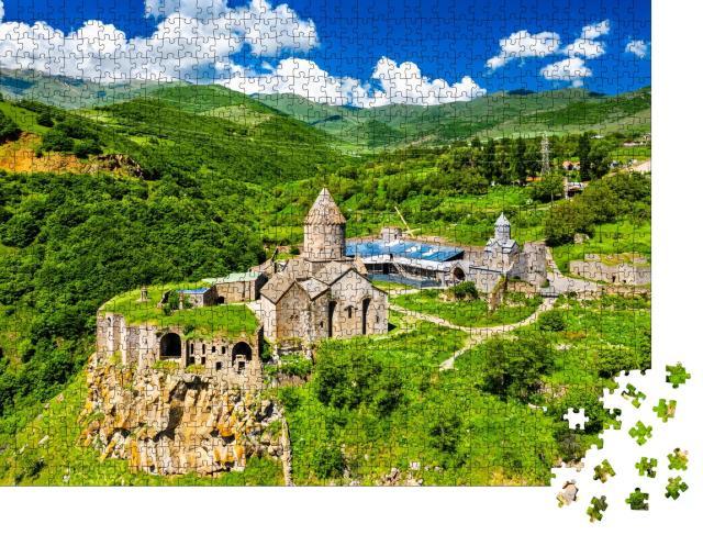 """Puzzle 1000 Teile """"Luftaufnahme des Klosters Tatev, UNESCO-Weltkulturerbe, Armenien"""""""
