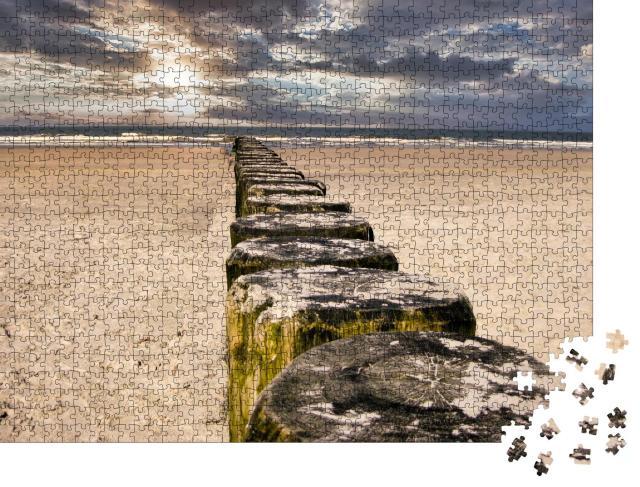 """Puzzle 1000 Teile """"Buhnen an einem Sandstrand auf einer Nordseeinsel"""""""