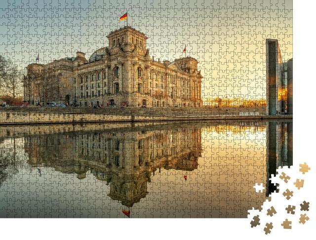 """Puzzle 1000 Teile """"Reichstagsgebäude in Berlin im Sonnenuntergang"""""""