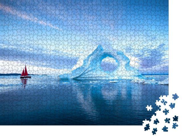 """Puzzle 1000 Teile """"Segelboot mit roten Segeln vor massiven Eisbergen am Abend, Diskobucht, Grönland"""""""