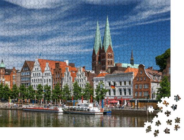 """Puzzle 1000 Teile """"Blick auf Lübeck in Schleswig-Holstein, Deutschland"""""""