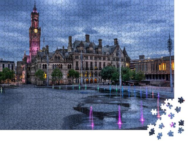 """Puzzle 1000 Teile """"Bradford City Hall in West Yorkshire, England"""""""