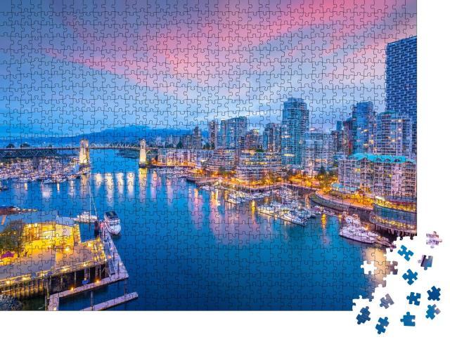 """Puzzle 1000 Teile """"Schöner Blick auf die Skyline der Innenstadt von Vancouver bei Sonnenuntergang"""""""