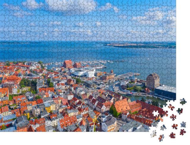 """Puzzle 1000 Teile """"Panoramablick aus der Luft über Stralsund"""""""