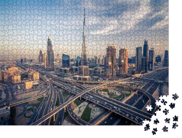 """Puzzle 1000 Teile """"Skyline von Dubai mit den verkehrsreichsten Schnellstraßen"""""""