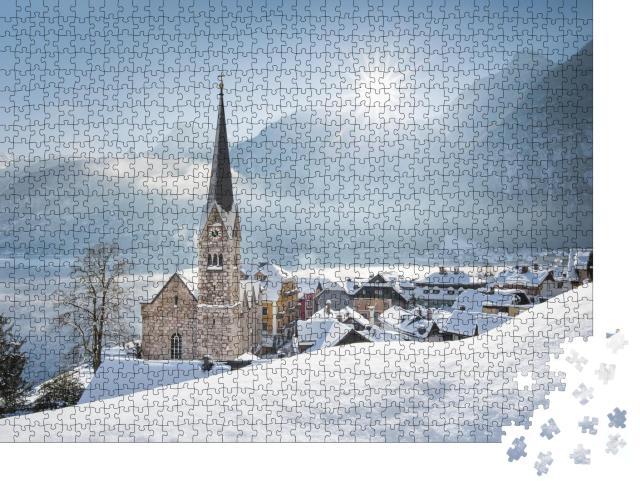 """Puzzle 1000 Teile """"Bezauberndes Bergdorf Hallstatt im Winter, Österreich"""""""