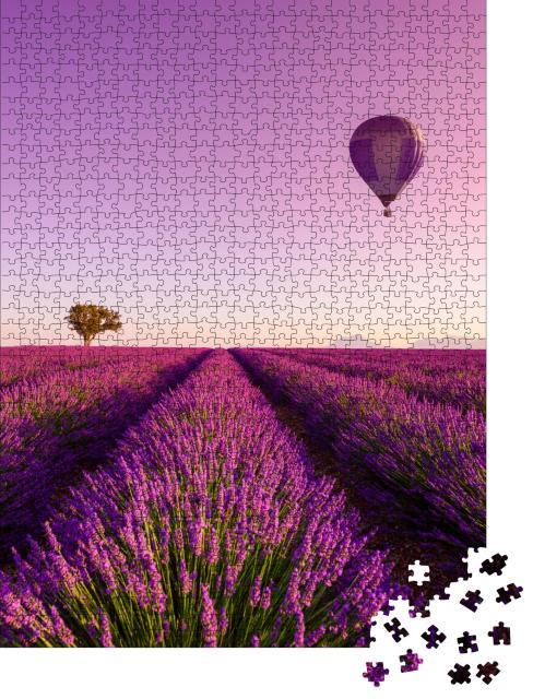 """Puzzle 1000 Teile """"Sonnenaufgang über einem Lavendelfeld in der Provence, Frankreich"""""""