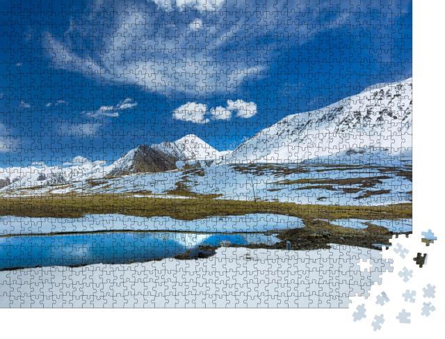 """Puzzle 1000 Teile """"Schöner Schneegipfel am Khunjerab-Pass im Norden Pakistans"""""""