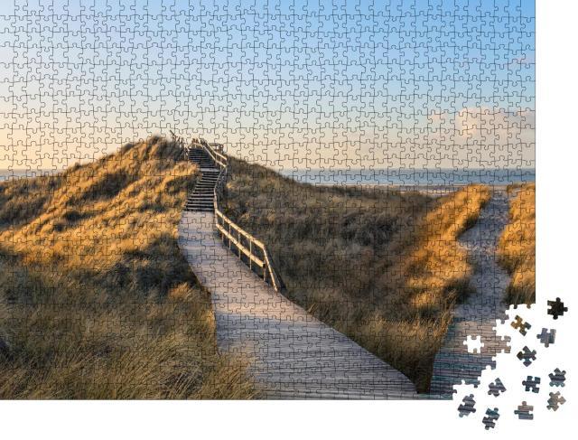 """Puzzle 1000 Teile """"Holzsteg durch die Dünen zum Strand von Norddorf, Amrum"""""""