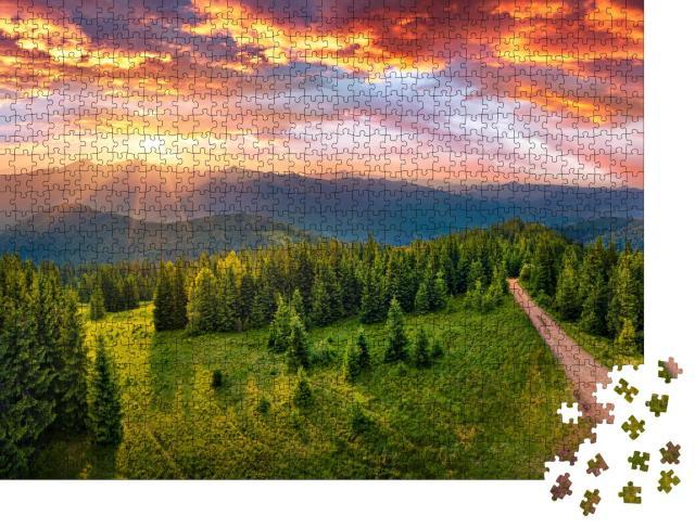 """Puzzle 1000 Teile """"Yahidna Berg im ersten Sonnenlicht, Karpaten, Ukraine"""""""