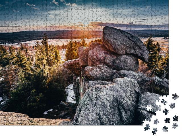 """Puzzle 1000 Teile """"Aussichtspunkt vom Eduardova-Felsen im Erzgebirge, Tschechien"""""""