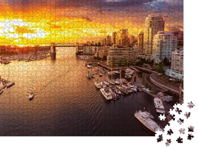 """Puzzle 1000 Teile """"Blick auf die Burrard Street Bridge und den False Creek von Vancouver, Kanada"""""""