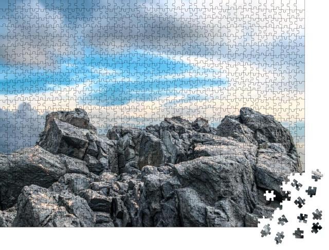"""Puzzle 1000 Teile """"Gewachsen in Jahrhunderten: Felsen des Westghats-Gebirges, Indien"""""""