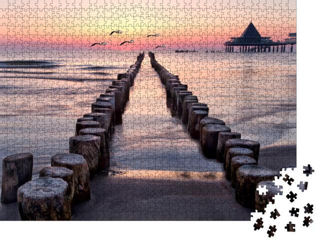 """Puzzle 1000 Teile """"Sonnenaufgang mit Möwen am Strand von Usedom, Ostsee"""""""