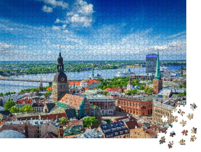 """Puzzle 1000 Teile """"Luftaufnahme des Zentrums von Riga von der Peterskirche aus, Riga, Lettland"""""""