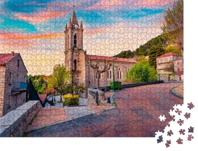 """Puzzle 1000 Teile """"Landschaftsfotografie aus der Luft: Ansicht von Zonza, Frankreich"""""""