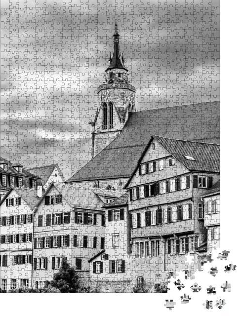 """Puzzle 1000 Teile """"Stiftskirche St. Georg in der Altstadt von Tübingen, schwarz-weiß"""""""