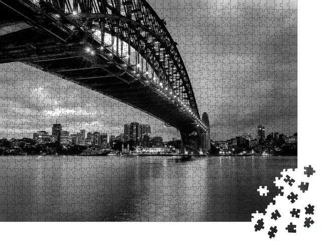 """Puzzle 1000 Teile """"Sydney Harbor Bridge, schwarz-weiß"""""""