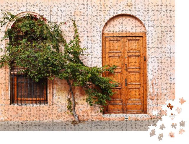 """Puzzle 1000 Teile """"Ein altes, rustikales Haus in Colonia, Uruguay"""""""