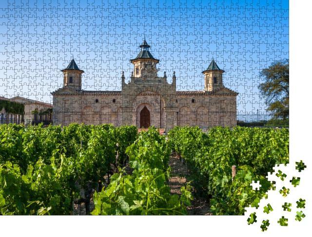 """Puzzle 1000 Teile """"Das berühmte Chateau Cos D'Estournel, Region Bordeaux, Frankreich"""""""