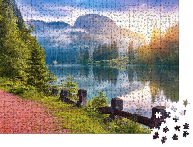 "Puzzle 1000 Teile ""Sommerblick auf den Bergsee Lacul Rosu, Karpaten, Rumänien"""