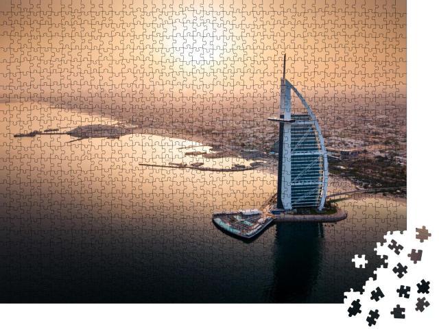 """Puzzle 1000 Teile """"Skyline von Dubai am Meer mit einem Luxushote"""""""