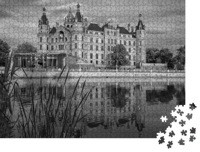 """Puzzle 1000 Teile """"Historisches schönes Schloss Schwerin, Deutschland"""""""