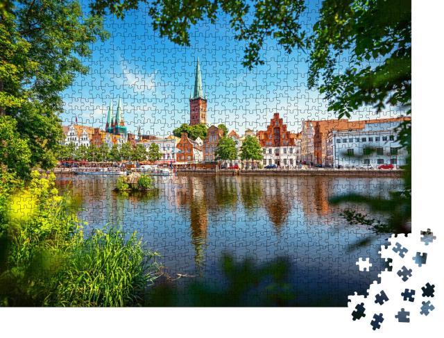 """Puzzle 1000 Teile """"Blick auf die Hansestadt Lübeck mit der berühmten Marienkirche"""""""