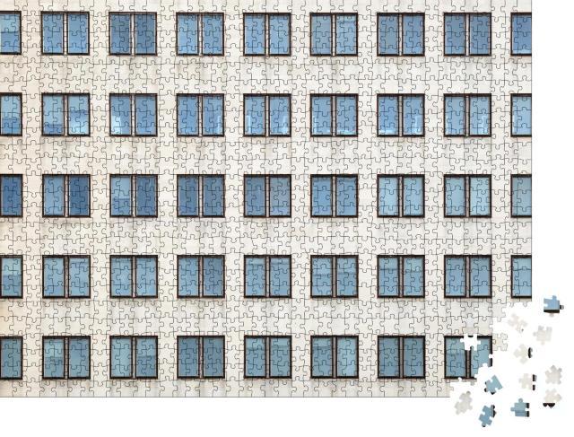 """Puzzle 1000 Teile """"Anordnung von Fenstern eines Bürogebäudes"""""""
