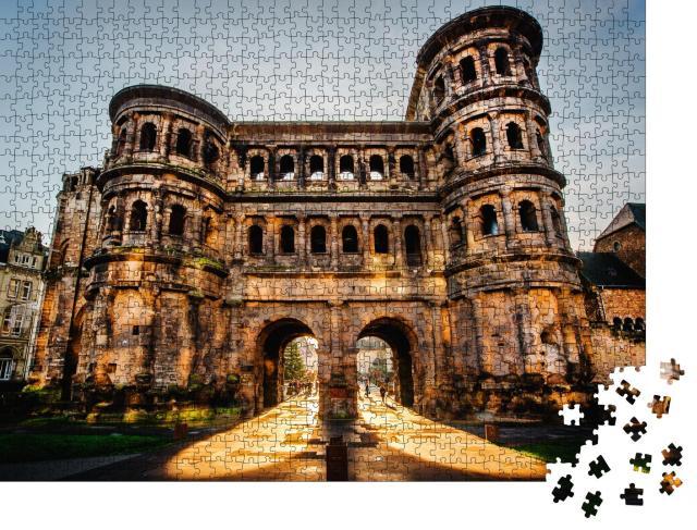 """Puzzle 1000 Teile """"Die Porta Nigra in der Stadt Trier, Deutschland, UNESCO-Weltkulturerbe"""""""