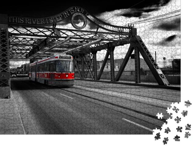 """Puzzle 1000 Teile """"Aufnahme der TTC-Straßenbahn in der Queen Street East, Toronto, Ontario, Kanada"""""""