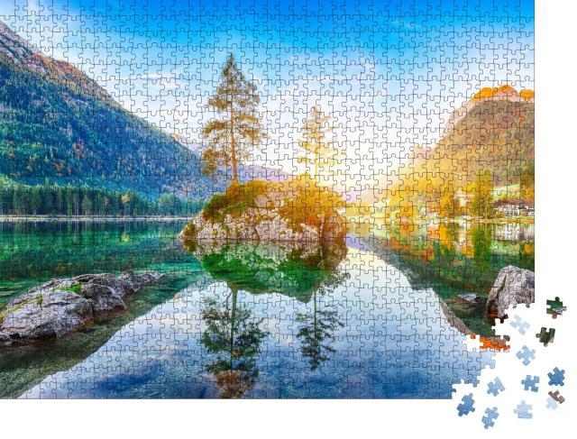 """Puzzle 1000 Teile """"Sonnenaufgang über dem klaren Hintersee. Im Hintergrund Ramsau, Bayern"""""""