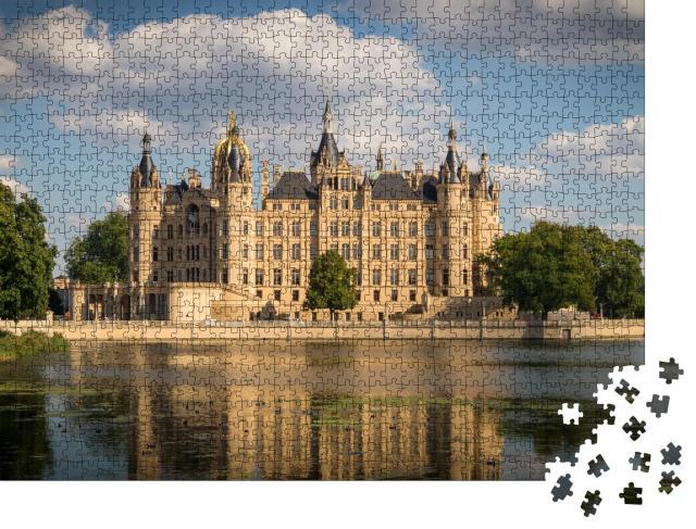 """Puzzle 1000 Teile """"Beeindruckendes Schweriner Schloss"""""""